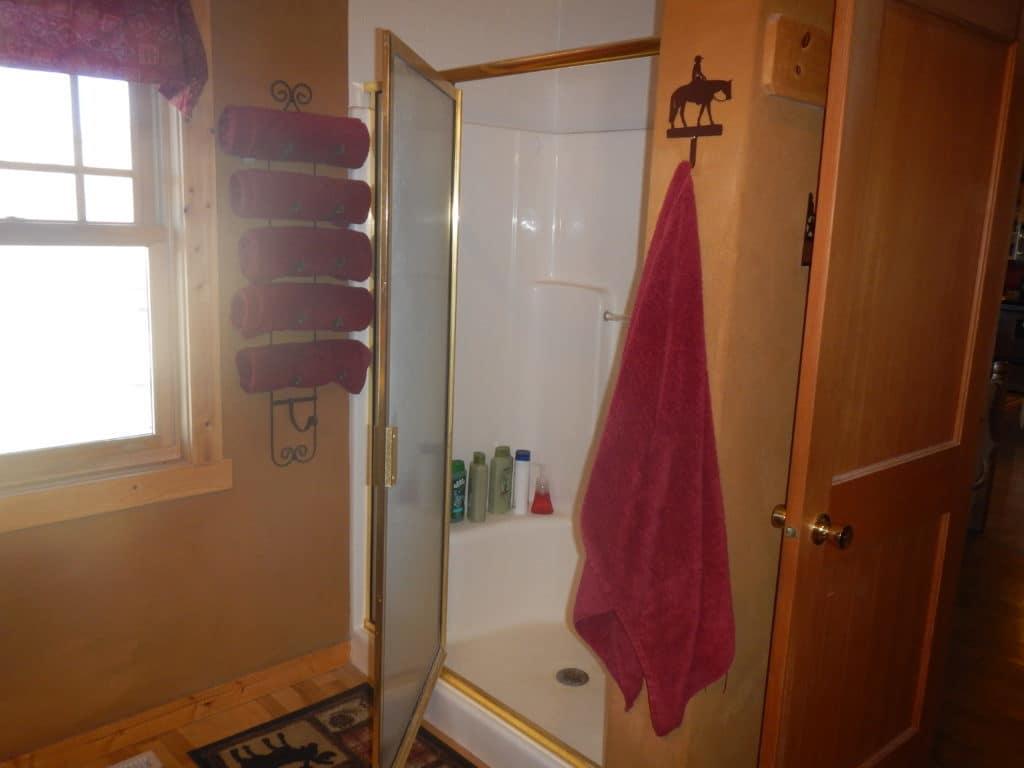 Moose Den bathroom